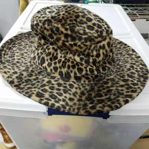2 Leopard print hats.
